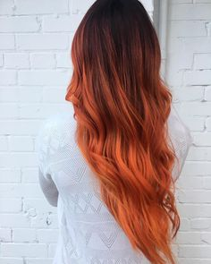 Trends 2018 – Red Hair Color : Autumn copper red reverse balayage by Aveda Artist Mikayla Tassone. Ombre Hair, Balayage Hair Blonde, Copper Balayage Brunette, Hair Color Dark, Brown Hair Colors, Dark Hair, Deep Red Hair, Burgundy Hair, Reverse Balayage