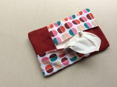 Pochette pour mouchoirs jetables en tissu.  : Etuis, mini sacs par sepia