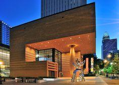 The Bechtler Museum of Modern Art in uptown Charlotte designed by architect Mario Botta Modern Architecture Design, Residential Architecture, Amazing Architecture, Mid Century Interior Design, Mid Century Modern Design, Cities In North Carolina, San Francisco Museums, Museum Of Modern Art, Midcentury Modern