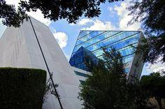 Edificio CETEC: Centro de Electrónica y Telecomunicaciones, Inteligencia Artificial, Investigación en informática y Sistemas de Conocimiento, área anexa donde se localiza el centro de Sistemas de Manufactura. Tecnológico de Monterrey, Campus Monterrey