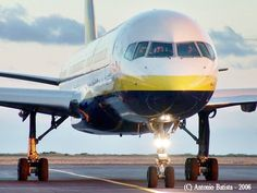Boeing B757-28A C-GMYE