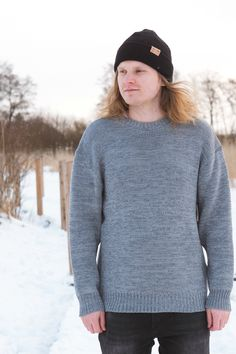 Merino Wool Sweater oversized fit for Men and Women. Chunky Oversized Sweater, Hiking Style, Hiking Fashion, Merino Wool Sweater, Sustainable Clothing, Comfy Casual, Beanies, Men Sweater, Hipster
