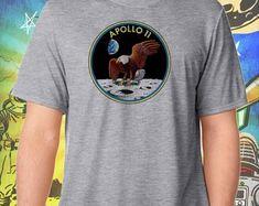 Space Exploration / Apollo 11 Moon Landing Logo / Men Apollo 11 Launch, Apollo 11 Moon Landing, Michael Collins, Buzz Aldrin, Neil Armstrong, Space Exploration, Logo, Streetwear, Mens Tops