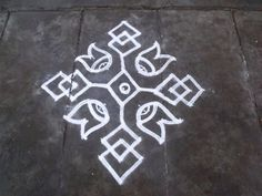 Rangoli designs/Kolam: S. Rangoli Designs Images, Rangoli Designs With Dots, Mehndi Art Designs, Rangoli With Dots, Beautiful Rangoli Designs, Simple Rangoli, Dot Rangoli, Indian Rangoli, Diwali Rangoli