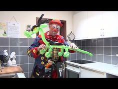 How to make a balloon dragon Part 1 the head - YouTube