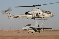 US Marines Cobra Gunship & Hornet Attack Helicopter, Military Helicopter, Military Jets, Military Aircraft, Military Weapons, Airplane Drone, Us Marine Corps, Us Marines, Military Equipment