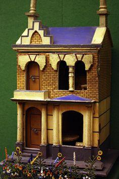 at Museum of Childhood, Edinburgh  Rick Maccione-Dollhouse Builder www.dollhousemansions.com