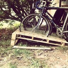 Wondrous Diy Pallet Bike Rack 600450 Pallets Pinterest Largest Home Design Picture Inspirations Pitcheantrous