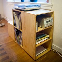 Plywood LP-shelf - www.sverresaether.com