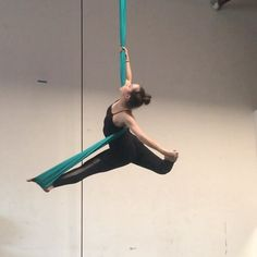 Loved this one 😊 Son Aerial Yoga Hammock, Aerial Dance, Aerial Hoop, Aerial Arts, Aerial Silks, Yoga Decor, Flexibility Training, Yoga Accessories, Pole Dancing