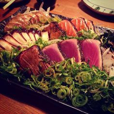 #japan #osaka #umeda #japanesefood #seafood #katsuo #tataki #大阪 #梅田 #かつお #鰹 #かつおのたたき by mikan_man