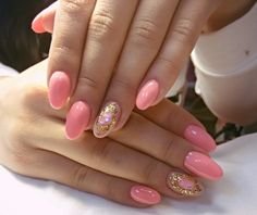 Elegant nails, Fashion nails 2016, Gold casting nails design, Nails trends 2016, Nails with gold, Oval nails, Pink manicure ideas, Plain nails