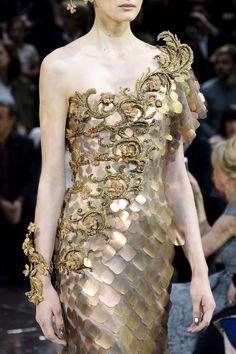 Guo Pei : Runway - Paris Fashion Week - Haute Couture Fall 2016