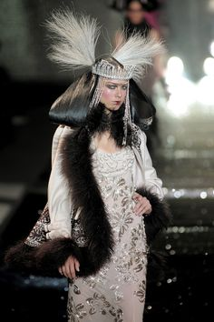 John Galliano Fall 2010 Runway Pictures - StyleBistro