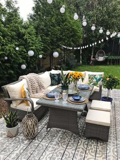10 Ways to Transform Your Garden on a Budget Rattan Garden Furniture, Outdoor Furniture Sets, Outdoor Decor, Furniture Ideas, Backyard Furniture, Furniture Makeover, Furniture Design, Outdoor Patios, Barbie Furniture