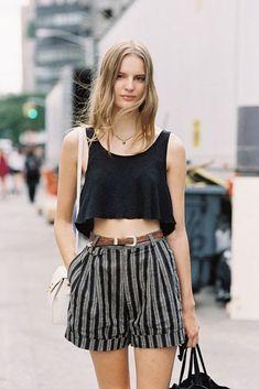 ⭐ Street Style: the Fashion Overdose on the Streets. ⭐ New York Fashion Week SS - Vanessa Jackman Fashion Moda, Look Fashion, Fashion Outfits, Fashion Trends, Female Fashion, Fashion Poses, Fashion Editorials, Fashion Clothes, High Fashion