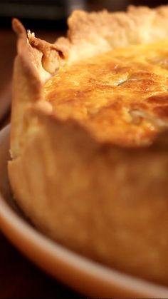 Cheese And Caramel Quiche Quiches, Quiche Recipes, Brunch Recipes, Breakfast Recipes, Bbq Desserts, Desserts To Make, Filet Mignon Chorizo, Pizza Pastry, Tasty Videos