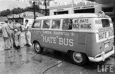 http://4.bp.blogspot.com/--lljPYT__Y0/U2jIWlnsbII/AAAAAAAAl7M/WxDumF39E4M/s1600/Riding+the+Hate+Bus,+1961+(1).jpeg