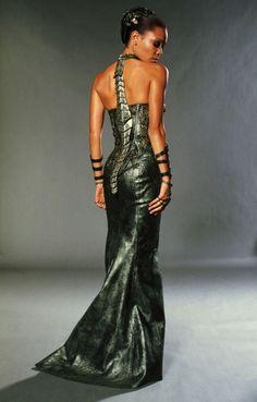 Futuristic Dress, Dark Fashion, Girl Power, Chronicles of Riddick, Lady Vaako of the Necromongers Fashion Girl Power, Dark Fashion, High Fashion, Crazy Fashion, Fashion Women, Women's Fashion, Science Fiction, Thandie Newton, Movie Costumes