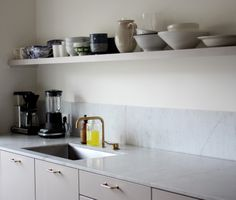 Kitchen decor hacks Using items that have dual purposes can help you maximize a compact space. Kitchen Wall Art, New Kitchen, Kitchen Dining, Kitchen Decor, Dining Room, Diy Kitchen Cabinets, Kitchen Remodeling, Minimalist Kitchen, Kitchen Interior