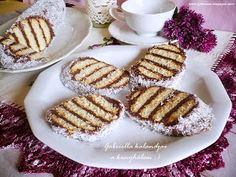 Gabriella kalandjai a konyhában :) Ital Food, Waffles, Biscuits, French Toast, Food And Drink, Healthy Recipes, Healthy Food, Sweets, Cookies