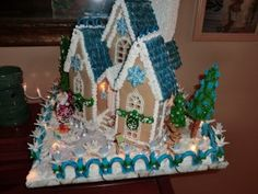 Planet Gingerbread- Brand new blog about making gingerbread houses