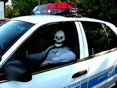 skull cop pigsarefunny.com