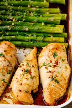 baking the chicken and asparagus and asparagus recipes stove top Easy 5 Ingredient Oven Baked Chicken Breast (Sheet Pan Meal) Chicken Breast And Asparagus Recipe, Asparagus Recipes Oven, Chicken Asparagus Bake, Oven Chicken Recipes, Oven Roasted Chicken, Meal Recipes, Dinner Recipes, Dinner Ideas, Recipies