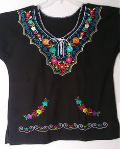 Collectors Yucatan embroidered huipil blouse GALA Fiesta boho Mexican 24 wide x 27 long size LARGE