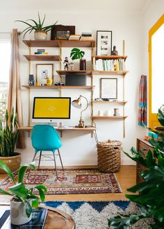 LOVE this desk area. So DIY friendly, too! >> Dabito • Old Brand New