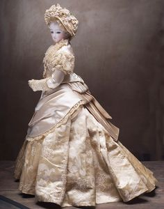 Antique French Ivory silk satin gown with extended trim and matching bonnet for Fashion doll about cm) Victorian Dolls, Antique Dolls, Vintage Dolls, Ivory Silk, Silk Satin, Two Piece Gown, Bride Dolls, Gibson Girl, Doll Costume