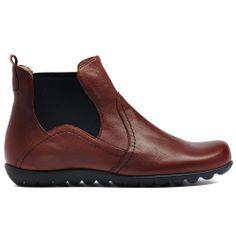 WISS | Cinori Shoes #wonders #fashion #chelseainspired #madeinspain #comfortable #stylish #winter #shoes Winter Shoes, Chelsea Boots, Ankle, Stylish, Fashion, Moda, Fashion Styles, Fashion Illustrations