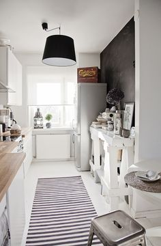 Check Out 31 Stylish Narrow Kitchen Design Ideas For Your Home. Small kitchens can be frustratingly crammed, especially narrow ones, but there are always a few design solutions that could transform small space into a stylish room Narrow Kitchen, Farmhouse Kitchen Cabinets, Kitchen Dinning, Kitchen Decor, Kitchen Ideas, Nice Kitchen, Kitchen White, Beautiful Kitchen, Farmhouse Buffet