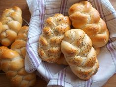 Avec Plaisir - Strana 7 z 18 - Pečení s radostí Slovak Recipes, Czech Recipes, Bread Recipes, Easy Cooking, Cooking Time, Cooking Recipes, Croissant Bread, Recipe Mix, Bread And Pastries