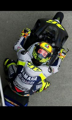 Valentino Rossi at phillip island tests 2014  Love love his helmet!
