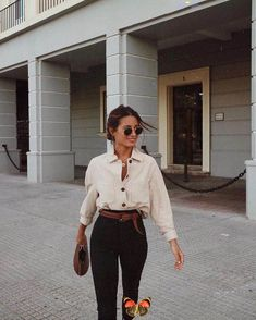 #Girl #summer #outfit #sun #fun #active #day #blouse #black #jeans #sunglasses<br> Style Outfits, Mode Outfits, Casual Outfits, Fashion Outfits, Fashion Trends, Swag Fashion, Casual Attire, Hippie Outfits, Classy Outfits