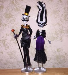 This Skeleton pair is ready for a party! They are dressed to kill and ready to wake the dead. They measure 15 tall each and are sure to make you Halloween a classy one. Classy Halloween, Halloween Wishes, Halloween Crafts, Halloween Decorations, Dressed To Kill, Skeleton, Make It Yourself, Couples, Party