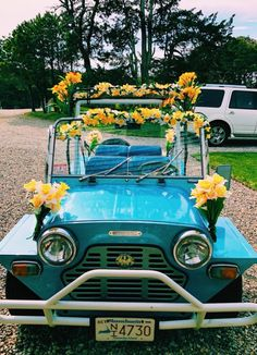 Vintage Cars Yellow Hybrids And Electric Cars - Maggee Demarrais Pretty Cars, Cute Cars, My Dream Car, Dream Cars, Vintage Cars, Antique Cars, Retro Vintage, Hybrids And Electric Cars, Bff