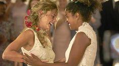 Une si belle famille - Séries et fictions | ARTE Fiction, Girls Dresses, Flower Girl Dresses, Film Serie, Wedding Dresses, Movie, In Laws, Television Set, Daughter