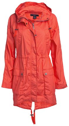 Packable Raincoats for Travel - http://boomerinas.com/2012/09/womens-packable-raincoats-and-jackets-for-travel/