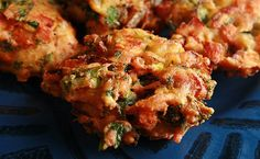 Gluten-Free Mixed Vegetable Pakora (also egg-free & dairy-free or vegan) Slimming World Curry, Slimming World Snacks, Slimming World Recipes, Slimming Workd, Veg Pakora Recipe, Pakora Recipes, Vegetarian Dinners, Vegetarian Recipes, Cooking Recipes
