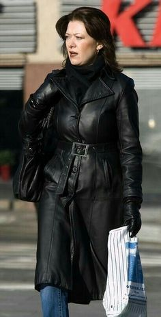 Long Leather Coat, Leather Gloves, Leather Jacket, Leather Fashion, Lady, Woman, Female, Womens Fashion, How To Wear