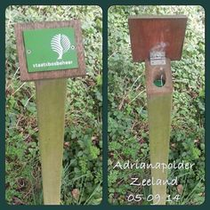 Signs - more than meet the eye. I wish the botanical gardens here in Texas would allow this. Geocaching Containers, Secret Space, Scavenger Hunt For Kids, Hiding Places, Camping Survival, Diy And Crafts, Spy Gear, Outdoor Pictures, Creative