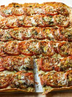 Ina Garten Anna's Tomato Tart Tart Recipes, Veggie Recipes, Wine Recipes, Appetizer Recipes, Cooking Recipes, Yummy Appetizers, Vegetarian Recipes, Tomato Tart Recipe, Tomato Pie