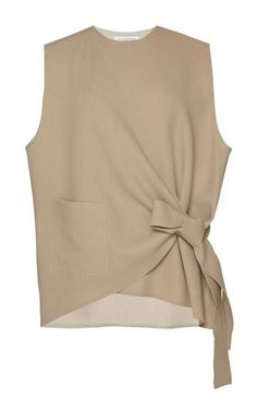 Sleeveless Wrap Knot Shirt - Knot T Shirt - Ideas of Knot T Shirt - barbarasangi Sleeveless Wrap Knot Shirt by J. ANDERSON for Preorder on Moda Operandi Look Urban Chic, Madame Gres, Knotted Shirt, Diy Vetement, Mode Top, Fashion Outfits, Womens Fashion, Fashion Trends, Fashion Styles