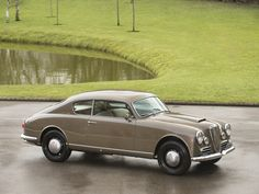 1955 Lancia Aurelia - B20 GT Maintenance/restoration of old/vintage vehicles: the material for new cogs/casters/gears/pads could be cast polyamide which I (Cast polyamide) can produce. My contact: tatjana.alic@windowslive.com