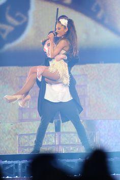 Ariana Grande performing live on her Honeymoon Tour! Ariana Tour, Teen Photo, Ariana Grande Pictures, Dangerous Woman, Celebs, Celebrities, Princess Zelda, Tours, Actresses