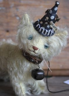 …artful heirloom kitty, this one-of-a-kind mohair creation by artist Letty Worley is available exclusively at http://www.earthangelsstudios.com/Letty-Worley--C56.aspx