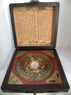 Amazing antique compass - Rendez vos souvenirs durables avec www.remix-numerisation.fr