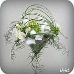 Paasstuk in een glazen recipiënt maken paasbloemstuk paasstukjes knutselen zelf workshop pasen bloemschikken